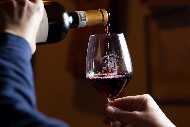 vino rosso cantina dei papi